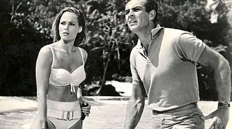 Honey Ryder James Bondin rinnalla ja ne kaikkein kuuluisimmat valkoiset bikinit.