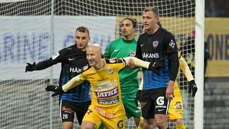 Inter voitti TPS:n 2–0.