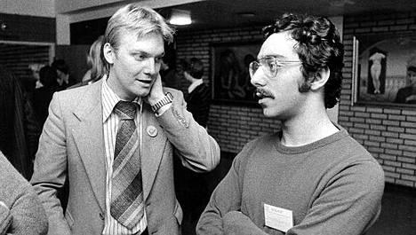 Anders Blom ja Ben Zyskowicz Kokoomuksen Nuorten Liiton kokouksessa Seinäjoella 1977.