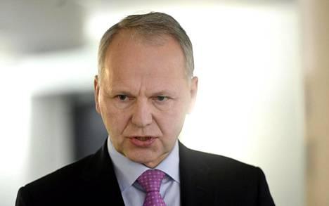 Maa- ja metsätalousministeri Jari Leppä (kesk) on huolissaan kouluruoan suosion laskusta.