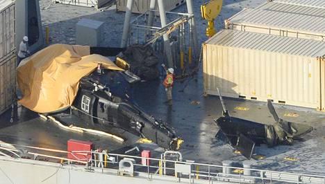 Helikopteri rysähti rahtilaivan kannelle keskiviikkona.