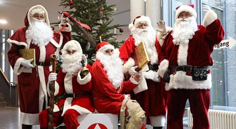 Saksaa uhkaa joulupukkipula – 500 euron palkka yhdestä illasta ei houkuta