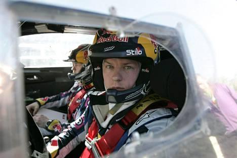Kimi Räikkönen ralliauton ohjaimissa Meksikossa 2010.
