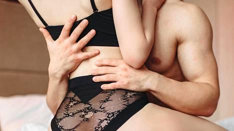 37-vuotias mies kertoo yllättyneensä eniten siitä, miten tärkeää henkinen yhteys on seksissä.
