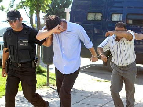 Turkkilaisia sotilaita vietiin syyttäjän luo Kreikassa