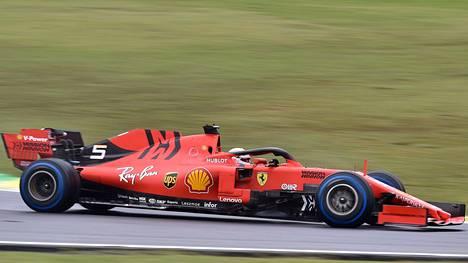 Ferrarilla ei voitettu tälläkään kaudella valmistajien eikä kuljettajien maailmanmestaruutta.