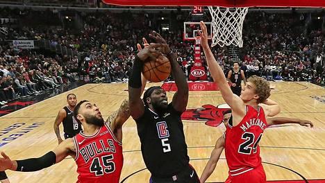 Lauri Markkanen (oik.) ja Bulls nappasivat tärkeän voiton.