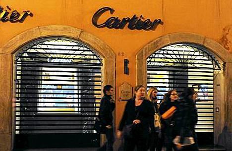 Sormusvarkaus tehtiin tässä Cartierin Rooman myymälässä.