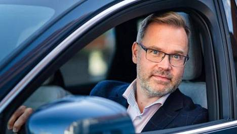 Kuvassa autoalan konsultti- ja hallinnointiyritys Fleet Innovationin toimitusjohtaja Sakari Viitanen.