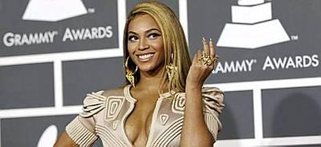 Beyonce sai kuusi Grammya viime yönä järjestetyssä gaalassa.