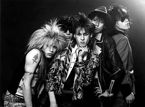 Näin näyttävästi Hanoi Rocks poseerasi vuonna 1981.