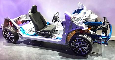 Tästä se lähtee: GA-B-perusrakenteen päälle rakentuu Toyotan aivan uusi, kompaktiluokan crossover.