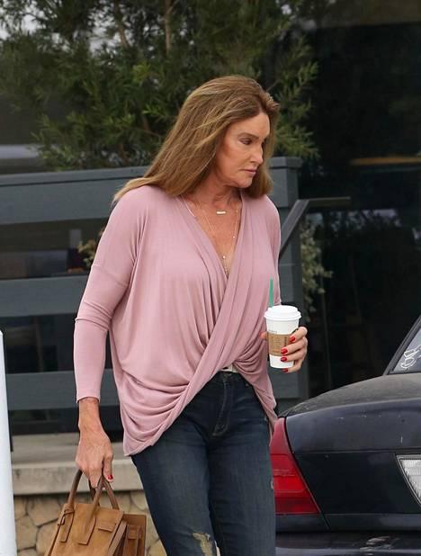 Kylie Jennerin isä, ennen nimellä Bruce Jenner tunnettu ex-olympiaurheilija Caitlyn Jenner sai tietää tyttärensä raskaudesta hiljattain.