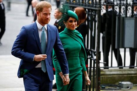 Harry ja Meghan jättivät maanantaina hyvästinsä brittihoville.