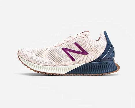 Naisten New Balancen lenkkarit, 90,90 €, Sportamore.