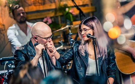 Jannika B vieraili miehensä Toni Wirtasen Vain elämää -kaudella vuonna 2017.