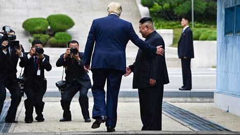 Yhdysvaltain presidentti Donald Trump ja Pohjois-Korean johtajan Kim Jong-un eivät ole edistyneet ydinaseneuvotteluissa.