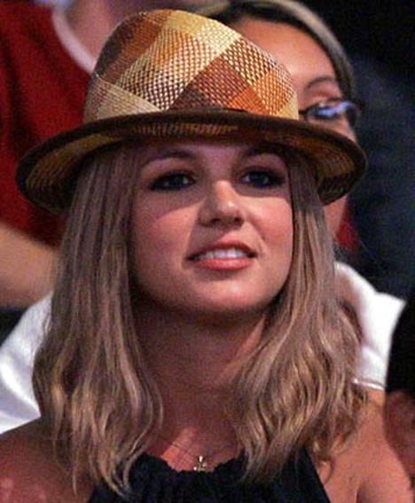 Britney Spearsilla menee päivä päivältä yhä huonommin.