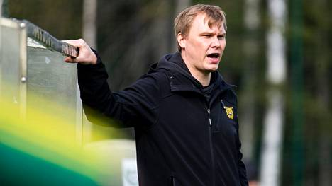 Mika Lahtinen ei jatka Ilveksen naisten liigajoukkueen valmentajana.