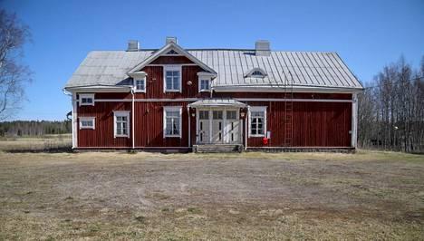 Kortteenkylän kansakoulu josta Kyllikki lähti hengellisestä tilaisuudesta kohti kotiaan.