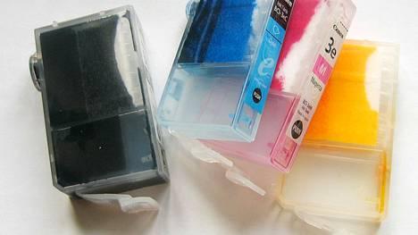 Tulostinvalmistajien omat musteet käyvät kuluttajille selvästi kalliimmiksi kuin muiden tuottamat korvaavat musteet, selvitti brittiläinen kuluttajalehti Which?