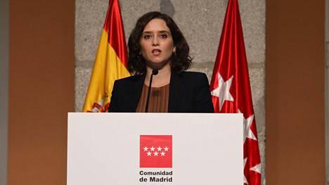 Madridin itsehallintoalueen aluejohtaja Isabel Díaz Ayudo kertoi rajoituksista tiedotustilaisuudessa perjantaina.