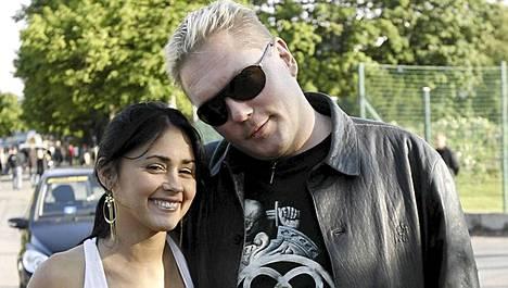 Natalia ja Vesa Keskinen kuvattiin yhdessä vuonna 2008, kun Natalia oli vierailemassa Suomessa.