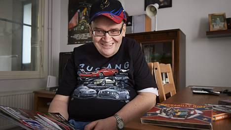 Harri Vatanen rakastaa rockabillylevyjä ja autotapahtumia.