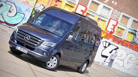 Mercedes Benz Sprinter >> Mercedes Benz Sprinter Halpenee Jopa Yli 10 000 Euroa Uuden