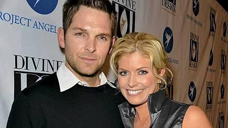 Brian Presley vaimonsa Erinin kanssa.