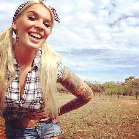 Australiaan rakkauden perässä muuttanut Sini kertoo viihtyvänsä maassa hyvin.