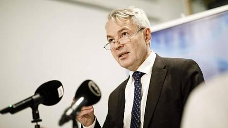 Pekka Haavisto kävi ensimmäisen kerran tammikuussa perustuslakivaliokunnan kuultavana, ja valiokunta siirsi tutkinnan keskusrikospoliisille.