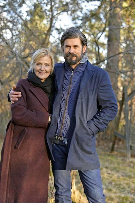 Milka Ahlroth ja Tommi Korpela esittävät ex-paria.