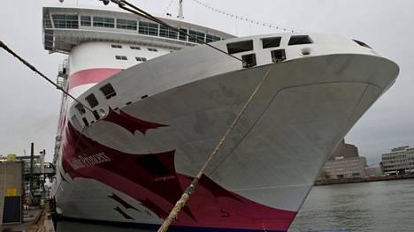 Laivalla oli menossa lukiolaisten risteily.