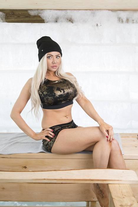 Marianne Kallio kisasi Miss Hot Rod 2019 -finaalissa.