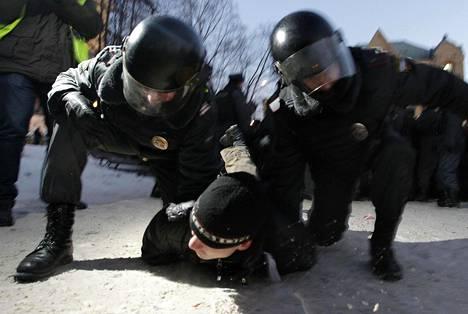 Putinia vastustaneet mielenosoitukset tukahdutettiin Moskovassa kovin ottein 2012 ja niiden organisoijat saivat poikkeuksellisen kovia rangaistuksia.