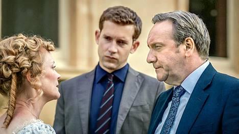 Ylikomisario John Barnaby (Neil Dudgeon, oik.) ja ylikonstaapeli Jamie Winter (Nick Hendrix).