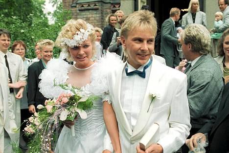 Mäkihyppääjä Matti Nykäsen ja Pia Hynnisen häät Jyväskylän kaupungin kirkossa 3. kesäkuuta 1989.
