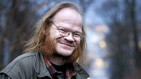 Pekka Myllykoski tunnetaan Froikkareiden laulajana.