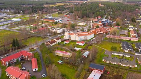 Sievissä on yksi Suomen kuntien alhaisimmista rokotuskattavuuksista. Helsingin Sanomien mukaan Sievissä 55,1 prosenttia kunnan väestöstä on saanut ensimmäisen rokoteannoksen.