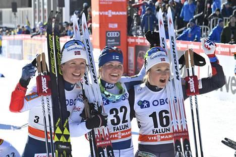 Krista Pärmäkoski juhli voittoa Falunissa.