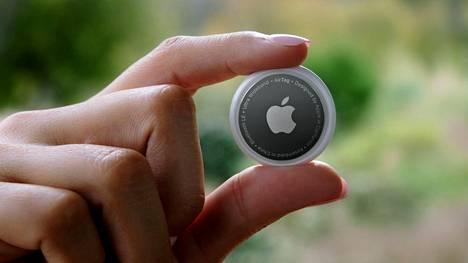 Apple esitteli kauan odotetut AirTagit huhtikuussa.