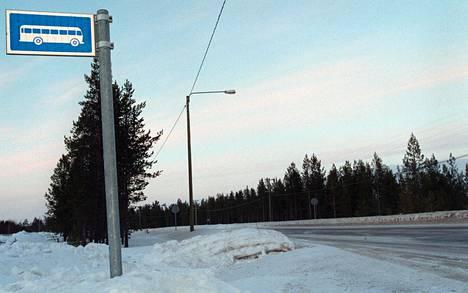 Kaukoliikenteen linja-autopysäkin merkkiä ei ole uudessa liikennemerkkikuvastossa.