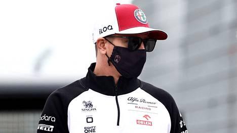 Kimi Räikkönen oli sivussa kahdesta F1-kisasta koronavirustartunnan takia.