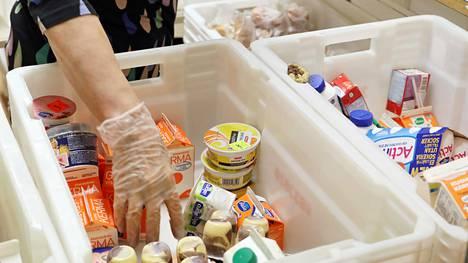 Lotta Svärd Säätiön apu annetaan ruoka-avun muodossa. Arkistokuva.