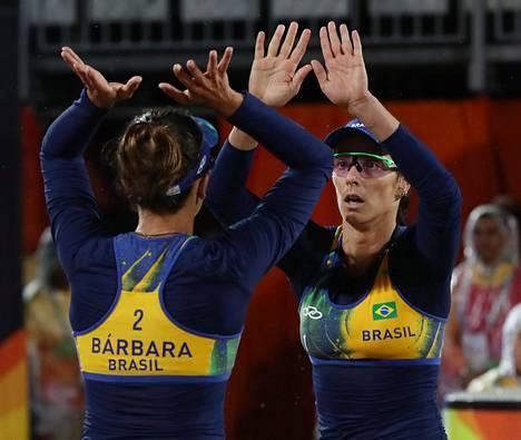 Brasilian Agatha Bednarczuk Rippel ja Barbara Seixas eivät käyttäneet bikineitä keskiviikon pelissään.