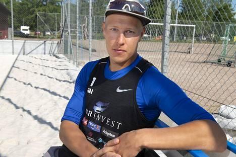 Ristijärveltä lähtöisin oleva Jyrki Nurminen, 29, on taustaltaan liigatason lentopalloilija.