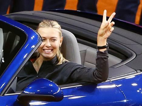 Maria Sharapova Porschen ratissa.