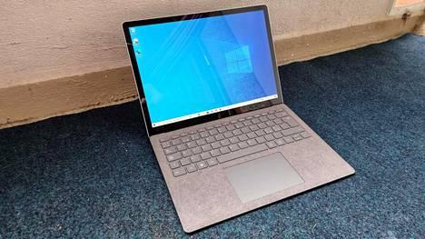 Microsoftin Surface Laptop 4 on hintava, mutta laadukas kannettava tietokone.
