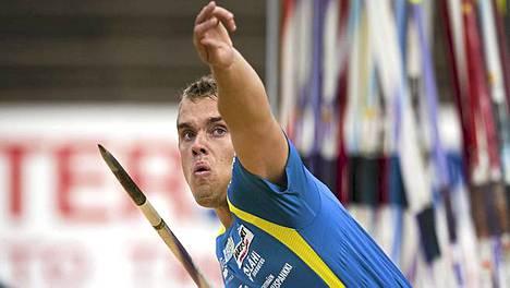 Ari Mannio voitti SM-kultaa yli 85 metrin kiskaisulla.